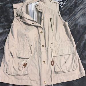 Tan medium vest , extremely good condition